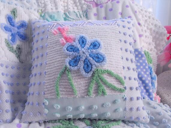 GORGEOUS PLUMP COTTAGE Vintage Chenille Patchwork Pillow
