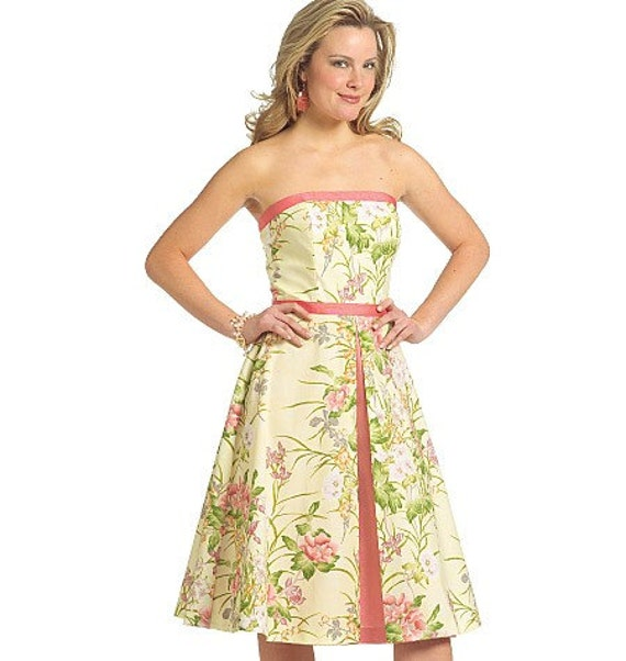 Strapless dress with Flared Skirt - Buterick Pattern 5026 size 6-12