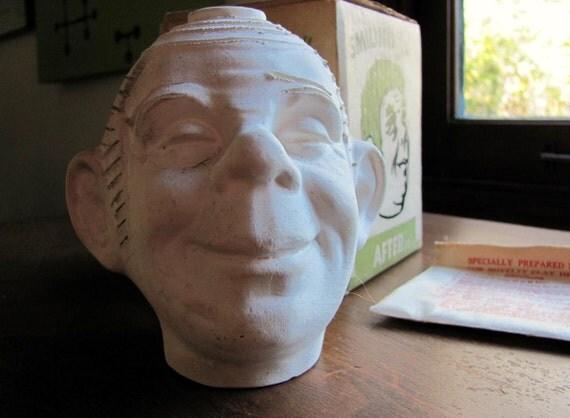 Vintage Smiling Jim Chia Head Clay Planter