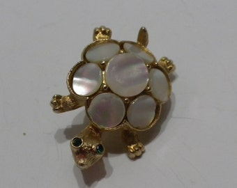 SALE Vintage MOP Brooch Mother of Pearl Turtle
