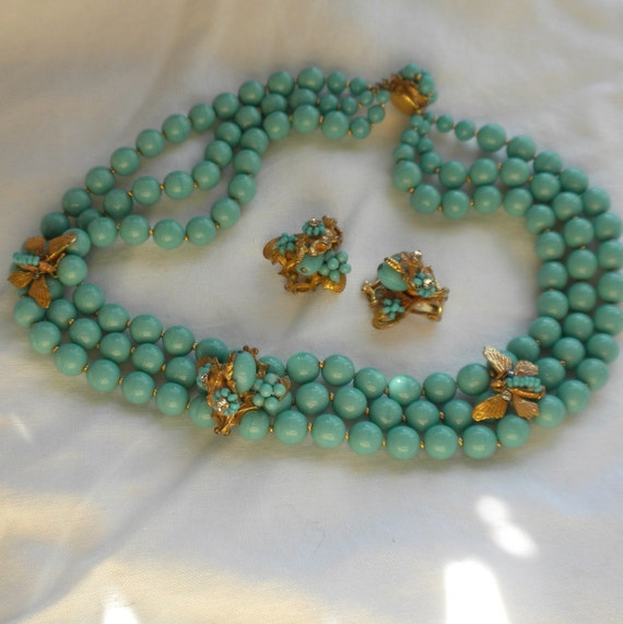 Unsigned Eugene Necklace Earrings Turquoise Glass Beads with Floral Butterflies