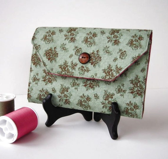 Green and Pink Needle Organizer Wallet