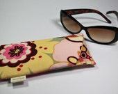 Eyeglass sunglass padded case in Alexander Henry fabric