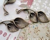 8Pcs Antiqued Vintage Bronze Calla Charms / Pendants (22678)