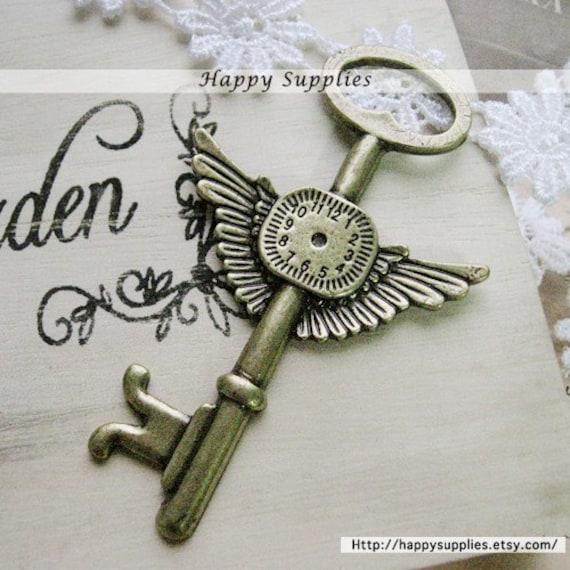 2Pcs LARGE Antiqued Vintage Brass Key Pendant  (GG0010K)