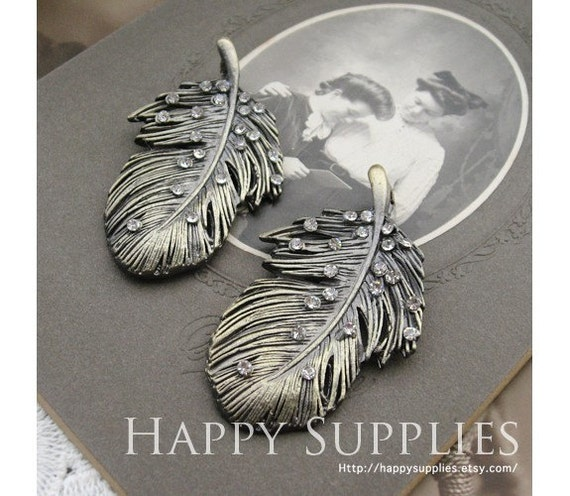 The Last -----2Pcs LARGE Antiqued Vintage Bronze Wing / Feather Charms (04958)