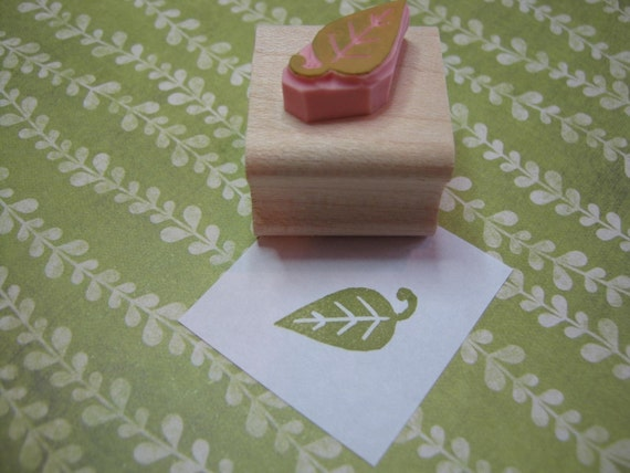 Leaf Stamp - Mini Leaf Hand Carved Rubber Stamp  - Wedding Stamper - Nature Wedding - Gift Nature Lover - Tree  - Leaves