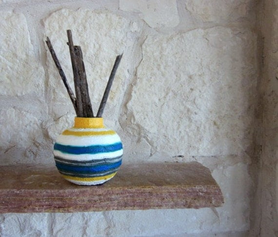 Modern Home Decor Round Vase Glass and Stucco Painted