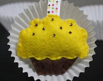 Yellow beaded  felt cupcake keychain