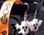 FREE SHIPPING UNTIL OCT 31  Halloween White Ghost Earrings