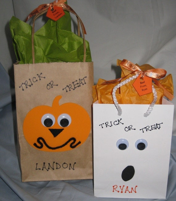 Golf goodie bags for his 30th birthday! Snacks, sunnies ... |Goodie Bag Items