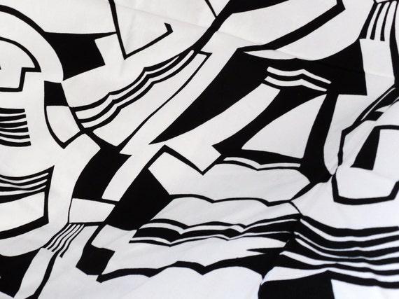 Vintage Black and White ART DECO Design Cotton 1 Yard