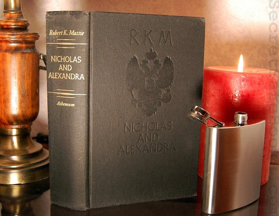 Hollow Book Safe & Flask Nicholas and Alexandra Romanov (Flask Included)