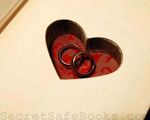 Hollow Book Safe with Heart (Vintage 1929 The World's Great Romances)