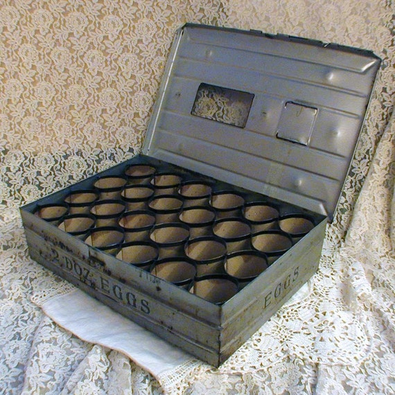Metal farm egg crate antique farm postal shipping box for Metal shipping crate