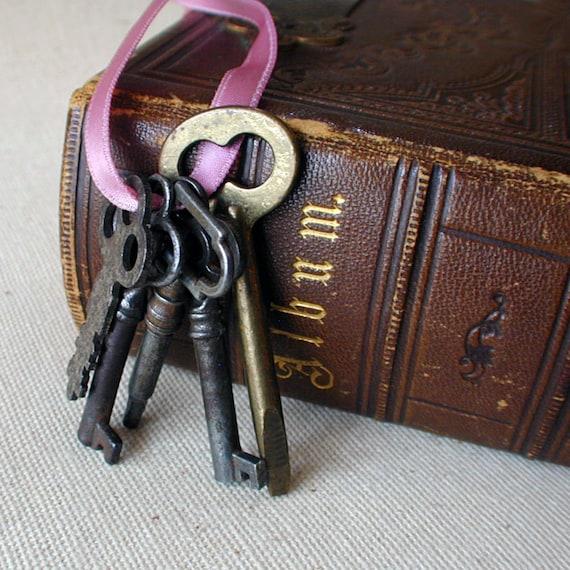 Old Antique Skeleton Keys