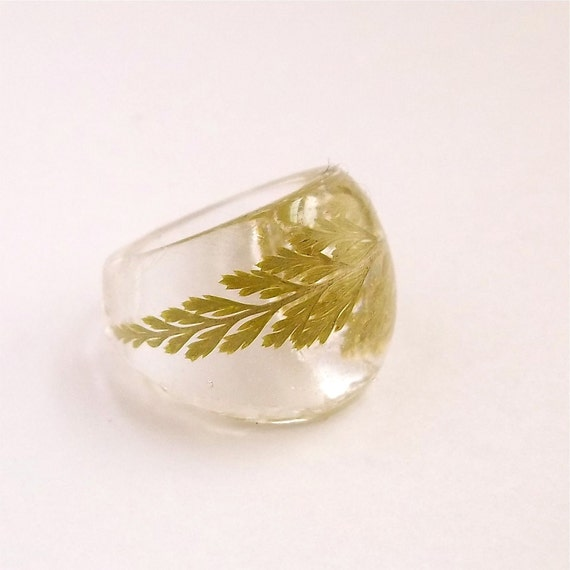 Fern Resin Ring. Pressed Flower Resin Ring.  Green Cocktail Ring.  Handmade Jewelry with Real Flowers - Green Fern
