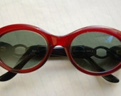 Vintage Polaroid 60s Sunglasses - Cat's Eye - Aubergine coloured