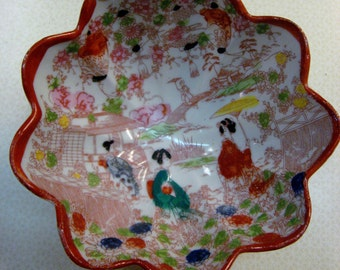 Japanese Porcelain Geisha Girl Bowl Nippon Hand Painted Scalloped edge Footed Bowls red green gold black