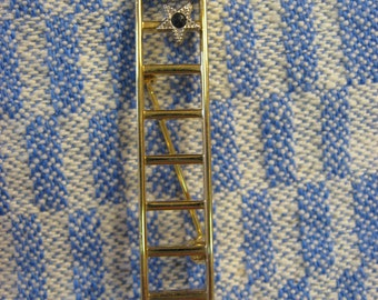 Ladder Brooch two stars with stones Nice Promotional pin Two Stars appear blue Sapphire