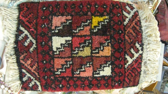Wool Hand Knotted Persian rug kneeling carpet small easy for travel geometric plush medium pile re orange burgundy cream black cream hand knot fringe  8.5  by 18 inches old but little wear estate find as found inquire about shipping to other Countries