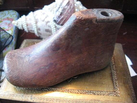 "Antique Vintage Old Wooden Wood Child BABY SHOES Last Mold Wood Form 2.5 x 2.5"" 20% Off Sale Code 10moj2 Vestiesteam"
