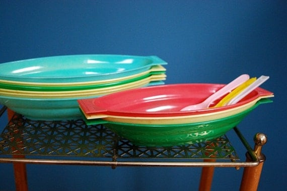 Vintage Set of 9 Dairy Queen Banana Split Dishes and Spoons