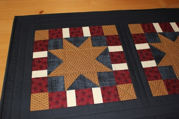 Americana picnic quilted table runner