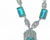 Gorgeous 1920s ART DECO Emerald Green Stone and Silver Filigree Vintage Necklace