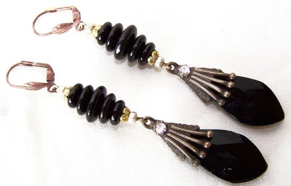 Lovely  Art  Deco Black Czech Glass Flower Vintage Earrings