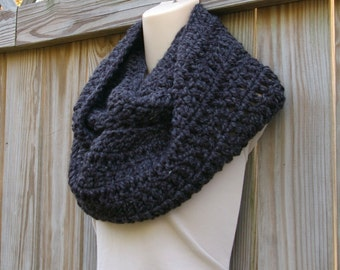 Crochet Infinity Scarf Wool Infinity Scarf, Crochet Cowl Scarf, Chunky Circle Scarf in Charcoal Grey