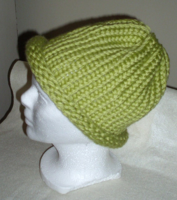 ADULT Hand knitted beautiful light green hat.  Fits man or woman - size large/XL adult.