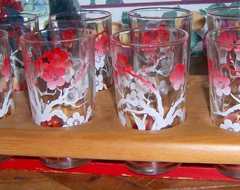 Barware Set of 8 FEDERAL GLASS CO. 8 Fluid Ounces Coral Pink Floral Drinking Glass Tumblers with Painted Red Wooden Caddy 1930s 1940s