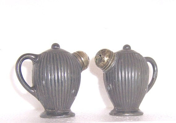 VINTAGE WEIDLICH BROTHERS MFG. CO. SALT AND PEPPER SHAKERS - METAL - POSSIBLY SILVERPLATE