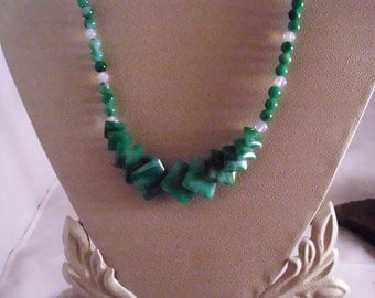 Green Flower Jade Diamond -shaped Necklace