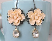Cream sakura cherry blossom with oval shape crystal clear stone beads dangle earring antique bronze earwire