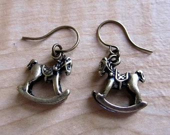 Roll Roll Rol - Rocking horses earring