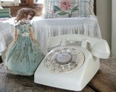 Call Me, vintage Rotary Telephone in Winter White by Bell System, Western Electric, made in USA ... decorative Betty Draper phone