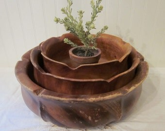 3 vintage Wood Nesting Bowls for salad, fruit, or rustic planter. Large & heavy duty set, scalloped blossom bowls