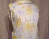 Vintage 1960s Sleeveless Floral Button Back Blouse Mandarin Reverse Style Collar
