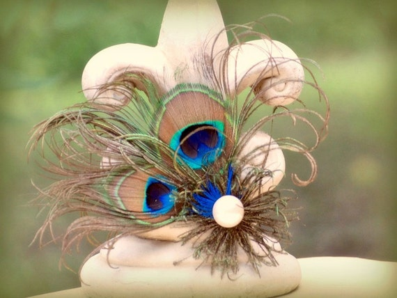 Fascinator Comb. Stunning Peacock Feather. Spring Wedding, Bride Comb, Bridal Bridesmaid Pin, Statement Flower Hair Clip, Royal Blue Emerald