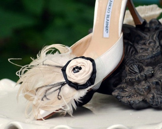Wedding Big Day Shoe Clips Champagne Ivory Beige & Black Feathers. Bride Bridal Bridesmaid, Edgy Spring Fashion Shoe Clip, Statement Boudoir