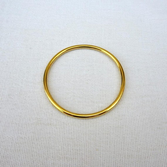 classic 18k solid gold bangle bracelet small size