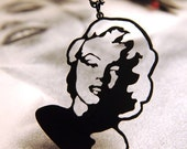 Marilyn Monroe tribute pinup silhouette necklace in black stainless steel - Portrait pendant