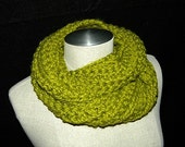 Lemongrass Chunky Crochet Cowl/ Neckwarmer/ Scarf READY TO SHIP