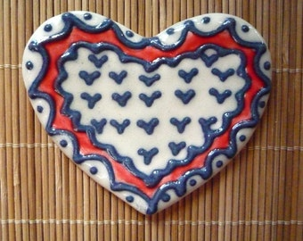 Red and White Lacy Heart Teaspoon Rest