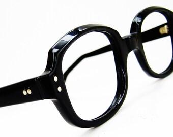 Vintage1970s Black Horn Rim Cateye Eyeglasses Eyewear Frame NOS
