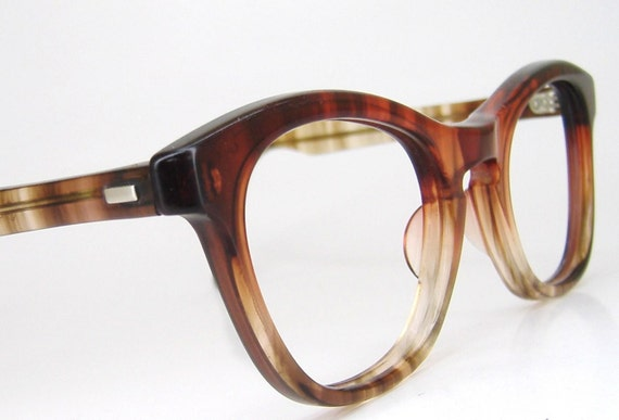 Vintage 50s Red Tortoise Fades Horn Rim Cateye Eyeglasses Eyewear Frame Tart Optical