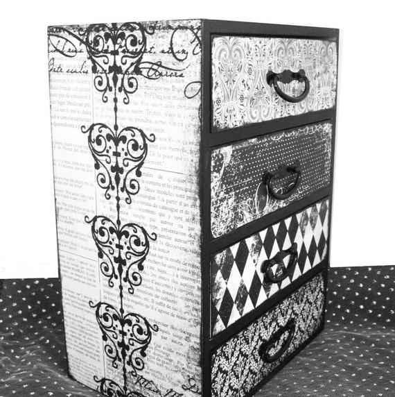 Jewelry Box Chest Enchanted Heart Black & White with Glitter