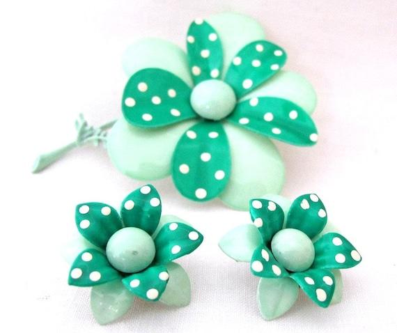Gorgeous Vintage Mint Green Polka Dot Enamel Flower Pin Brooch and Earrings Set